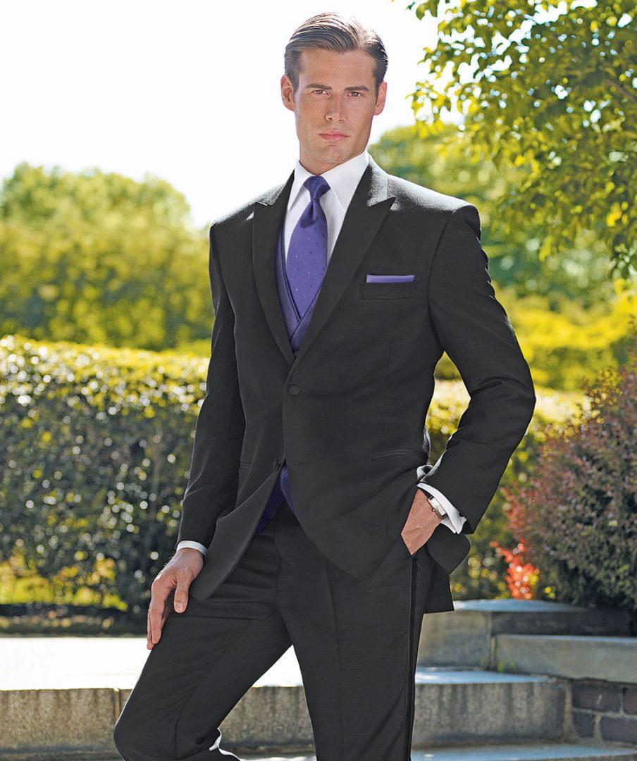 Bjorn's kenosha men's formal wear, men's formal attire kenosha, men's suit rental kenosha